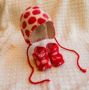 Anne Cool Wild van Vilt 5e druk Baby mutsje en slofjes
